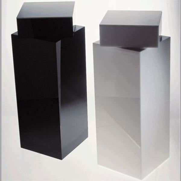 Picture of H Studio Automatic Revolving Pedestal AA1