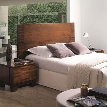 Picture for category Wood Beds